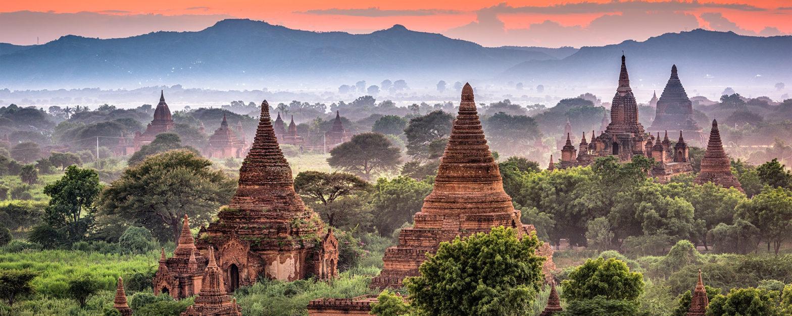 Die Tempel von Bagan im Abendlicht